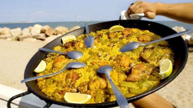 paella-valenciana-gastronomia-mediterraneo