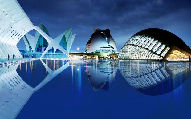 visitar-ciudad-artes-y-ciencias-en-verano-en-valencia